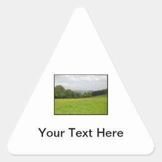 緑草原。 田舎景色 三角形シール