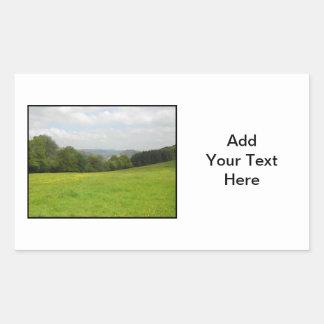 緑草原。 田舎景色 長方形シール