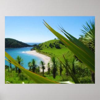 緑豊かなビーチ場面ポスター ポスター