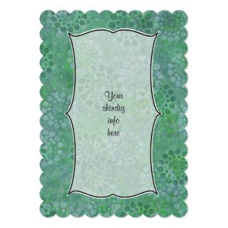 緑豊かな緑の花のろうけつ染めのスタイルの招待状 カード
