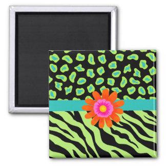 緑、黒い及びティール(緑がかった色)のシマウマ及びチータのオレンジの花 マグネット