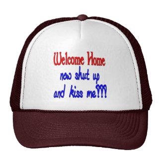 締まっている歓迎された家は今私に接吻し、 トラッカーキャップ