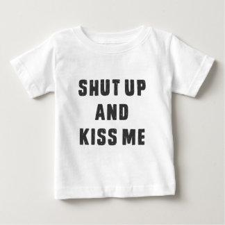 締め、私を接吻して下さい ベビーTシャツ