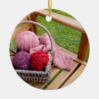 編み物のバスケット セラミックオーナメント