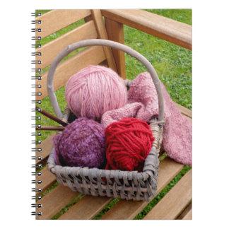 編み物のバスケット ノートブック
