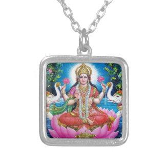 、繁栄および富Lakshmiの愛の女神 シルバープレートネックレス