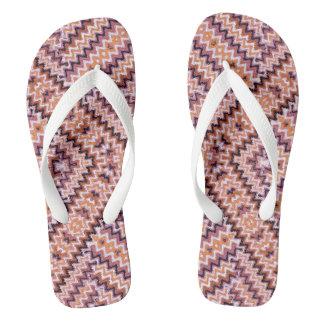 織り方パターン-茶色および藤色のビーチサンダル ビーチサンダル