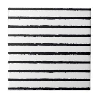 織り目加工のストライプな白黒の荒いラインパターン タイル