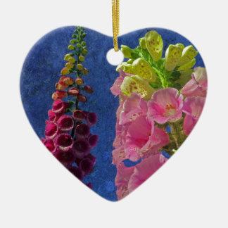 織り目加工の背景が付いている2つのFoxgloveの花 セラミックオーナメント