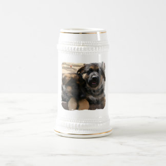 羊飼いの子犬のビールのジョッキ ビールジョッキ