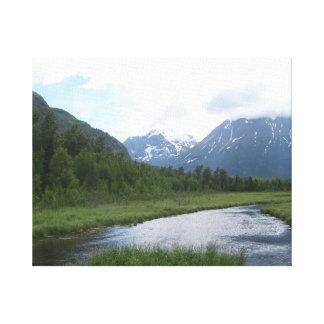 美しいアラスカの入り江および山 キャンバスプリント