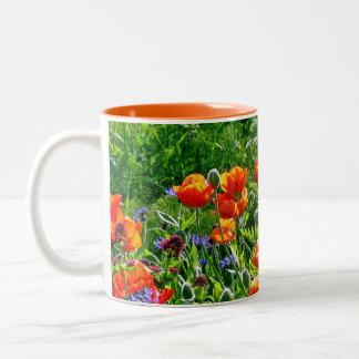 美しいオレンジケシの花のコーヒー・マグ ツートーンマグカップ