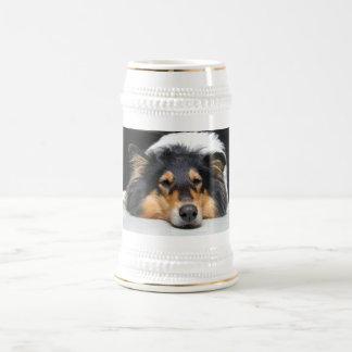 美しいコリー犬鼻三色のジョッキのtankard ビールジョッキ