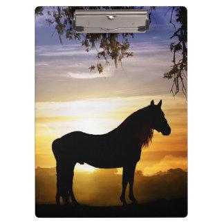 美しいシルエットの種馬の馬のクリップボード クリップボード