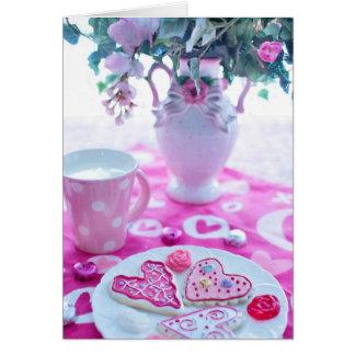 美しいハートのバレンタインのテーブルの設定 カード