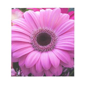 美しいピンクのガーベラの花 ノートパッド
