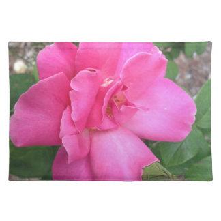 美しいピンクのバラの場所マット ランチョンマット