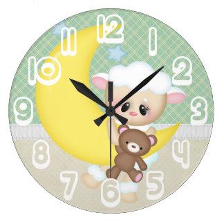 美しいベビーの子ヒツジ ラージ壁時計