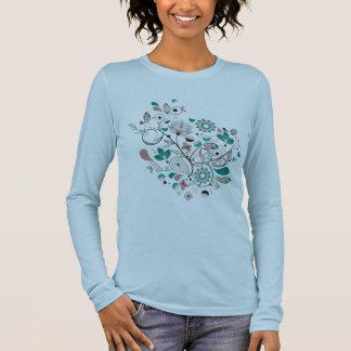 美しいペイズリーのデザイン Tシャツ