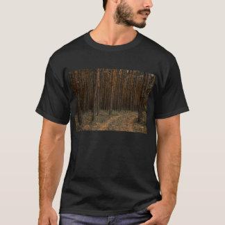 美しいマツ森林 Tシャツ