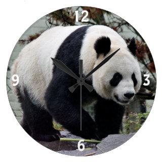 美しいメスのジャイアントパンダ ラージ壁時計
