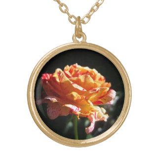 美しい三色のバラ、金ゴールドの終わりのネックレス ゴールドプレートネックレス