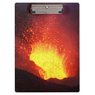 美しい夜火山爆発 クリップボード