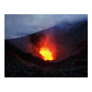 美しい夜火山爆発 ポストカード