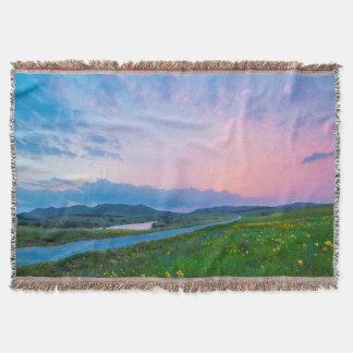 美しい山の日没 スローブランケット