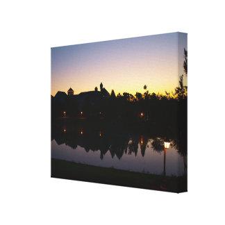 美しい日の出-夜明けにオーランドリゾートフロリダ キャンバスプリント