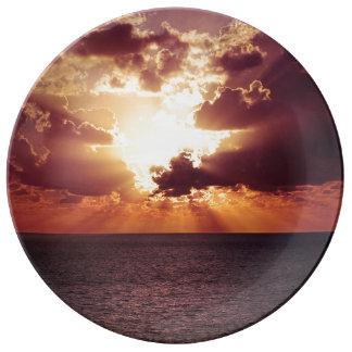 美しい日没の景色 磁器プレート