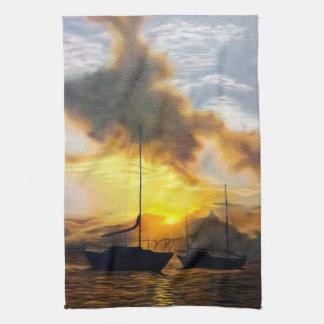 美しい日没の2隻のヨット キッチンタオル