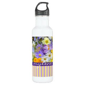 美しい春の花のコラージュのすみれ色の黄色 ウォーターボトル