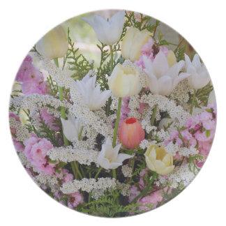 美しい春の花花束のプリントのプレート パーティー皿