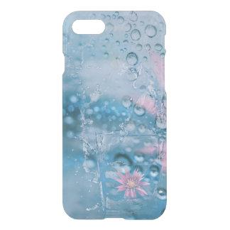美しい水および低下の落ちるガラス容器 iPhone 8/7 ケース