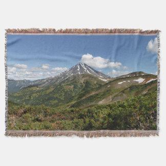 美しい火山景色の夏のパノラマ スローブランケット