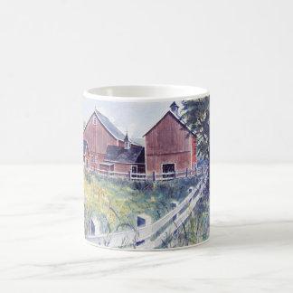 美しい納屋及び塀のマグ コーヒーマグカップ