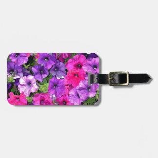 美しい紫色のペチュニアの花 ラゲッジタグ