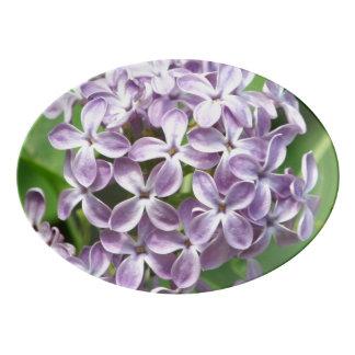 美しい紫色のライラックの写真が付いている大皿 磁器大皿