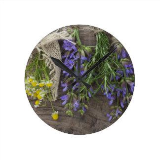美しい草の背景 ラウンド壁時計