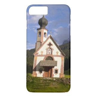 美しい隔離された孤独な教会はRainuiを呼びました iPhone 8 Plus/7 Plusケース