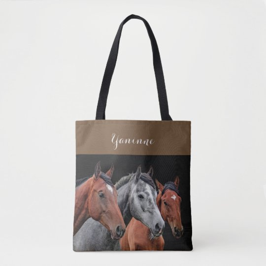 美しい馬のポートレート。 馬の顔のクローズアップ トートバッグ