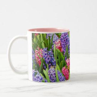 美しいhyacinthの花のコーヒー・マグ ツートーンマグカップ