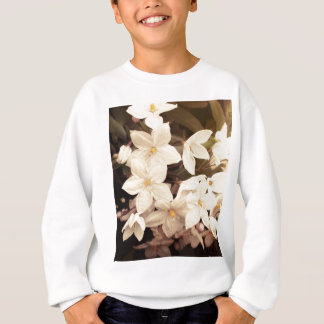 美しくガーリーな白い花の春の花 スウェットシャツ