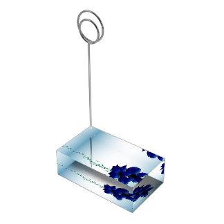 美しくグラデーションで青い花の結婚式 テーブルカードホルダー