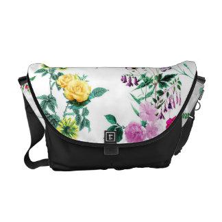 美しくロマンチックでガーリーな花のデザイン メッセンジャーバッグ