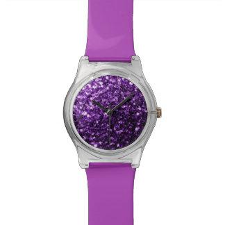 美しく暗い紫色のグリッターの輝き 腕時計