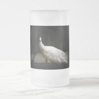 美しく白い孔雀 フロストグラスビールジョッキ