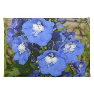 美しく青いヒエンソウの花 ランチョンマット