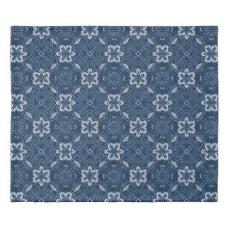 美しく青および白い花柄 掛け布団カバー